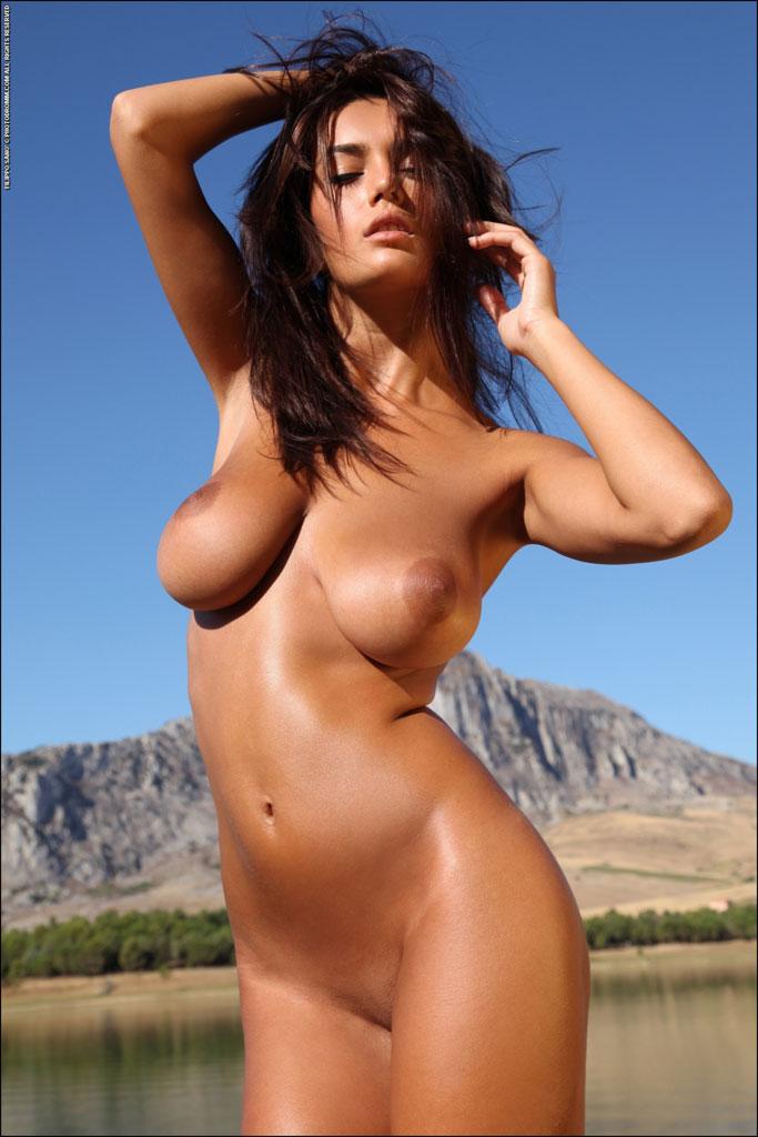 Busty tan women nude